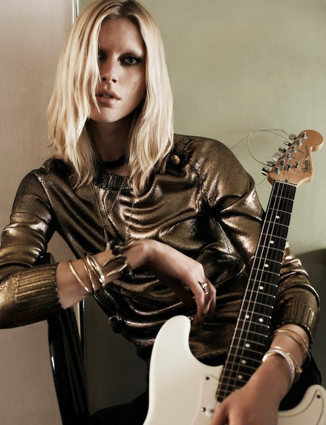 Vogue-UK-August-2013.8
