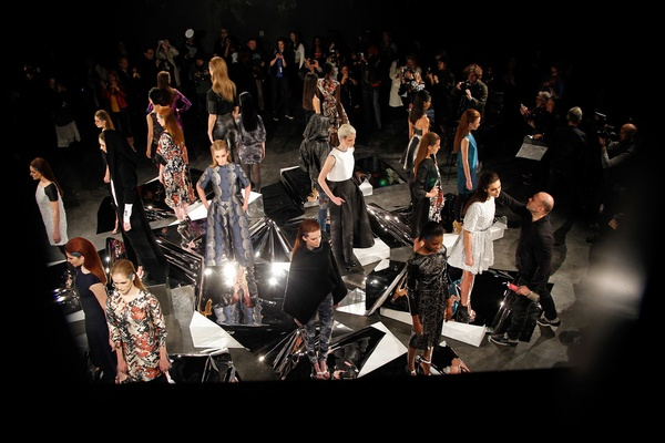 Czar-by-Cesar-Galindo-fashion-presentation-February-2014_151952