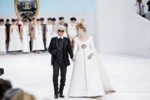 chanel-couture-fall-2014-03_153851215886.jpg_carousel_parties