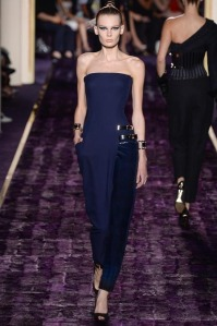 atelier-versace-fall-2014-couture-04_144937669521