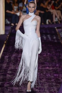 atelier-versace-fall-2014-couture-08_144941157775