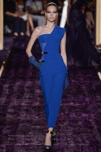 atelier-versace-fall-2014-couture-09_144942568736