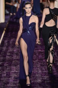 atelier-versace-fall-2014-couture-15_144948199129