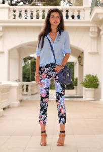 Best-Combination-Ideas-about-Floral-Pants-Street-Style
