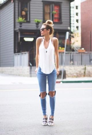 4cxm7j-l-610x610-tank-white+tank--crop+tops-crop+tops-white+crop+tops-summer-white+crop-summer-summer+outfits-summer+pants-white+summer-summer+shirt-summery-t+shirt-women+tshirt-girly-jeans-ripped+