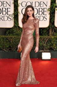 anne_hathaway_best_golden_globes_dresses_of_all_time_19cjpmk-19cjpmq