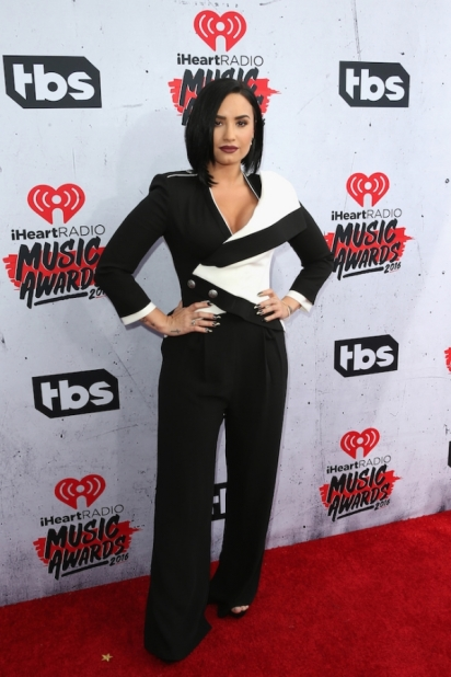 demi-lovato-iheartradio-awards