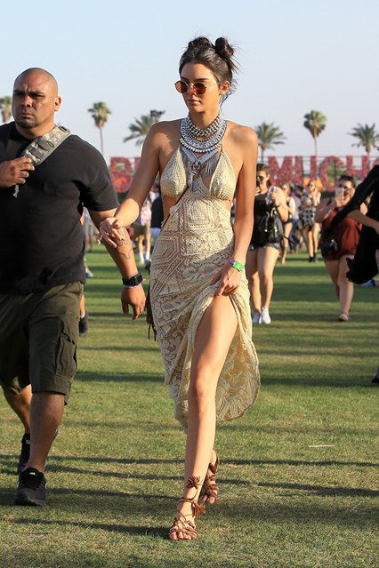 Kendall-Jenner-Coachella-2016-Vogue-17April16-Getty_b_426x639_1