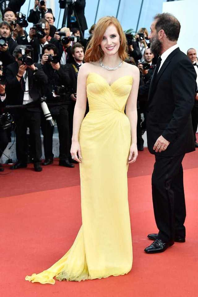 jessica_chatain_cafe_society_premiere_and_opening_night_2016_cannes_film_festival_red_carpet_12_may_13__large